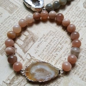 Jewelry - Sunstone crystallized agate stretch bracelet